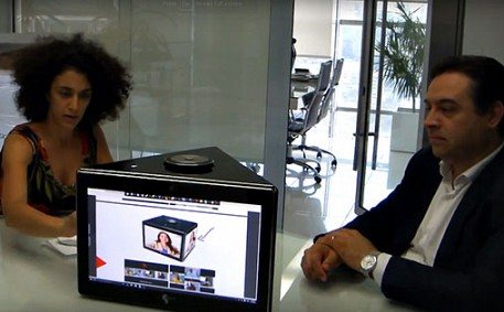 A New angle on meeting room videoconferencing